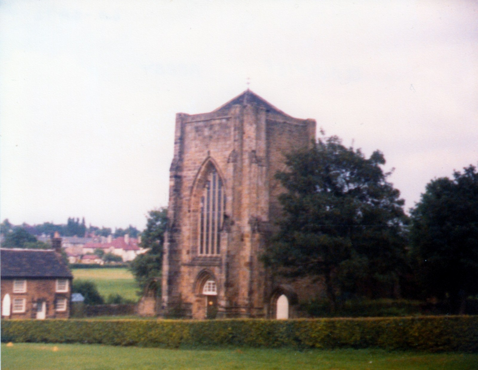 Beauchief Abbey 1982.jpg