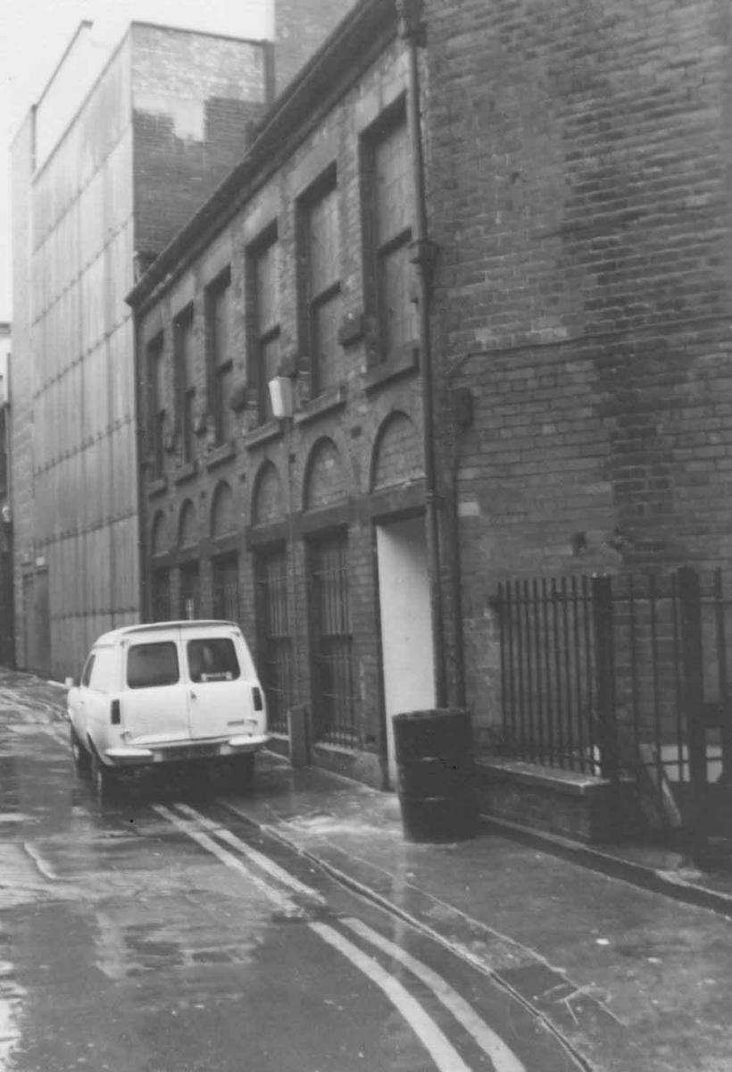 rear of Old Green Dragon Hotel from Exchange Gateway 1974
