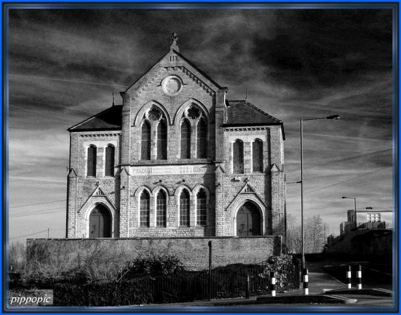 St Andrews, Heeley