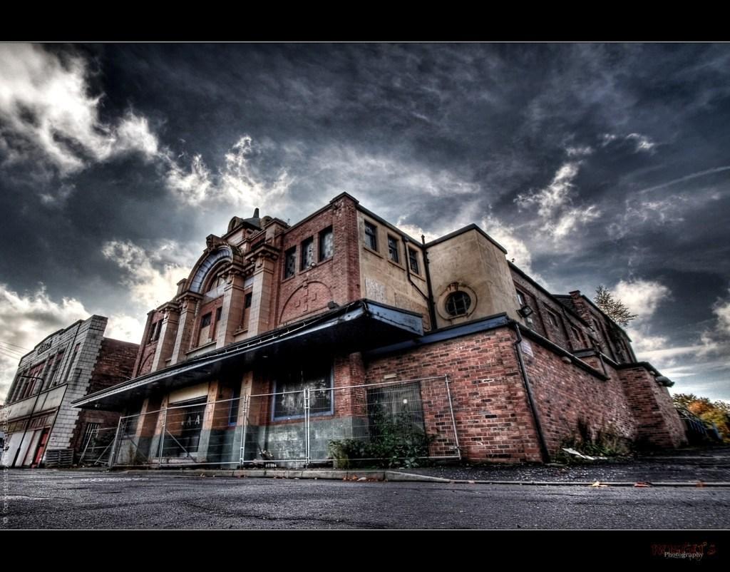 "UE Abandoned Cinema ""S"""