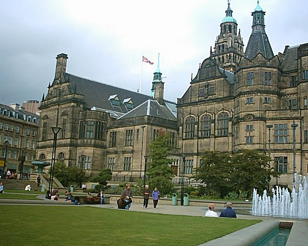 Sheffield_Town_Hall_04_10_04.jpg