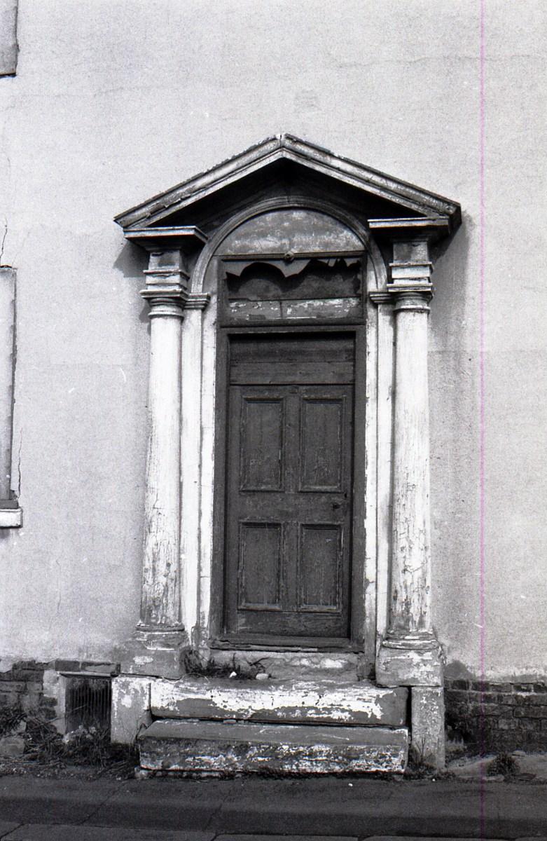 3-Attercliffe Teaser-Doorway-16-09-1972.jpg