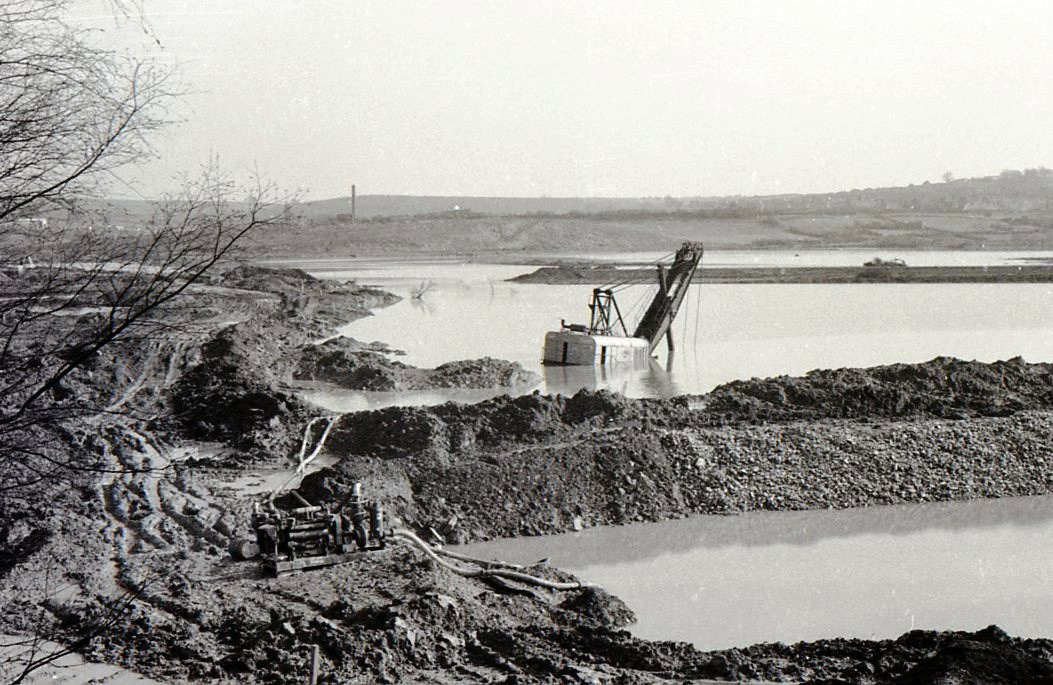 BTRR109-Near Beighton (Present Site of Rother Valley Country Park-Flooded)-16-06-1977.jpg