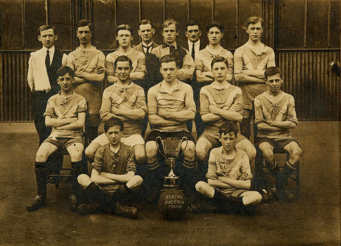1920 001 Firth's Football Team  1920-21.JPG