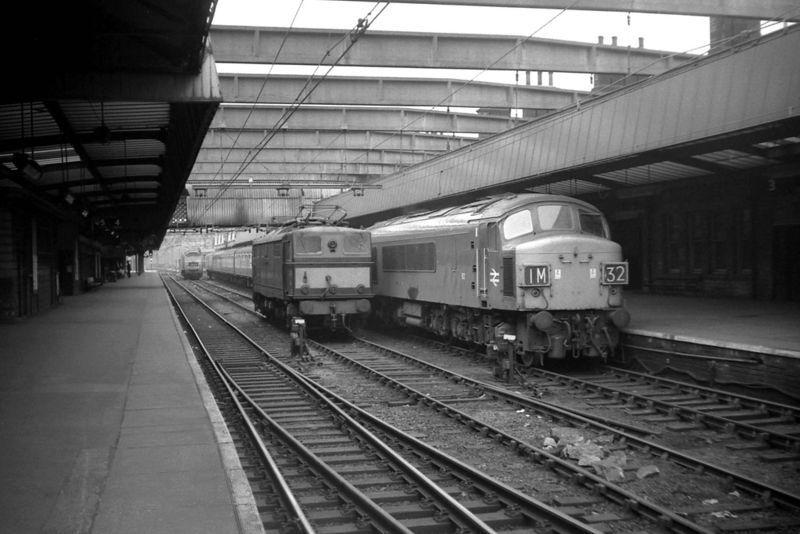 Sheffield Victoria Train Station 1.jpg