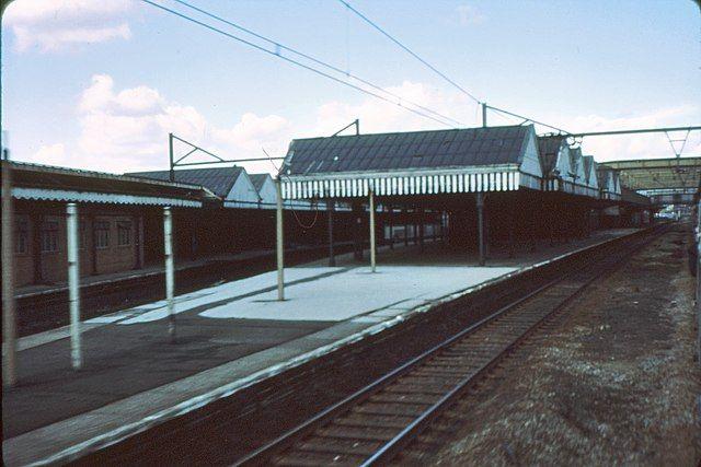 Sheffield Victoria Train Station 3.jpg