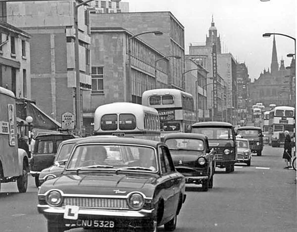 Remember when the moor allowed cars up and down it for The sheffield