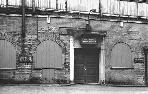 Sheffield Victoria Train Station.jpg