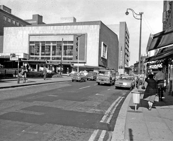 Bank-Street-and-Angel-Street-from-Castle-Street-ABC-Cinema-on-left-later-became-Cannon-Cinema-1969.jpg
