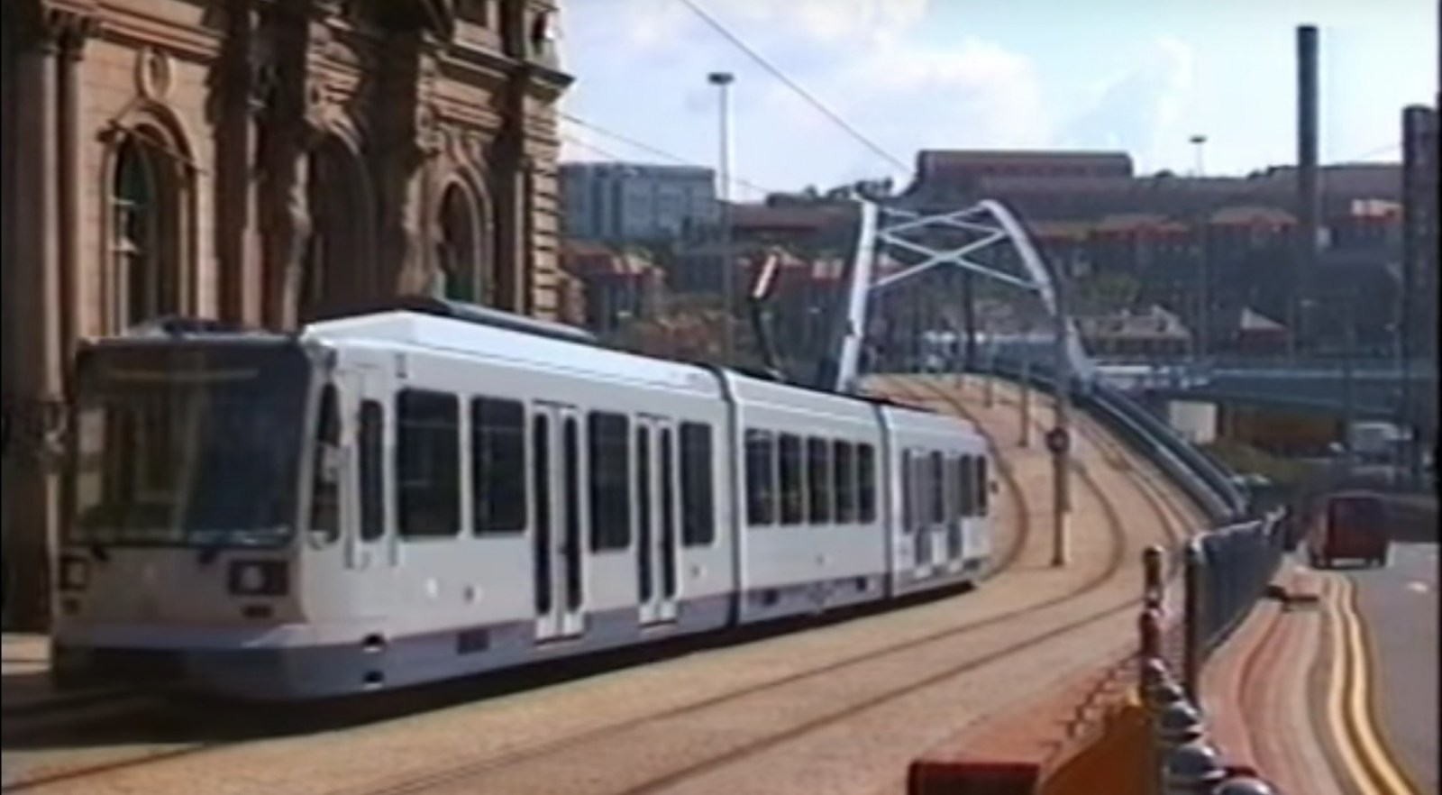 Supertram Sheffield.jpg