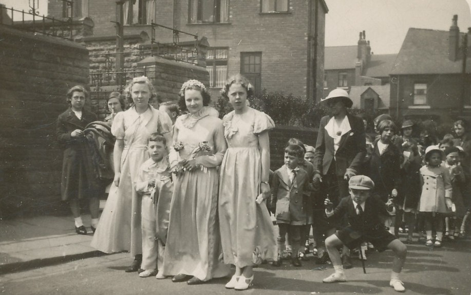 Whit Monday, Queens out side Meersbrook Bank Chapel.jpg