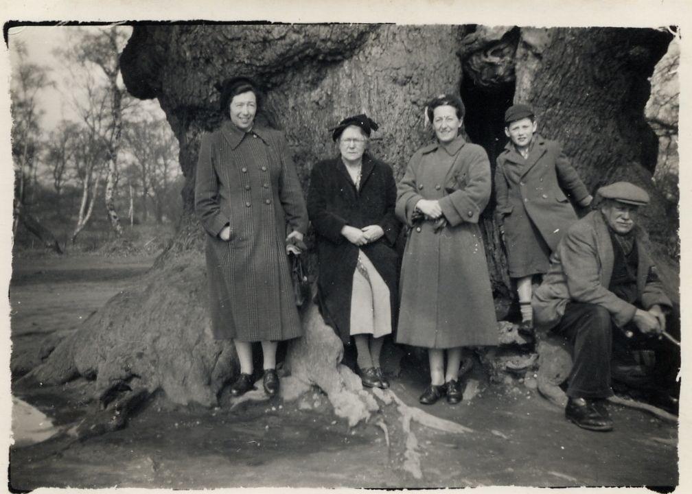 Mum Gran Gladys Me at the Major Oak.jpg