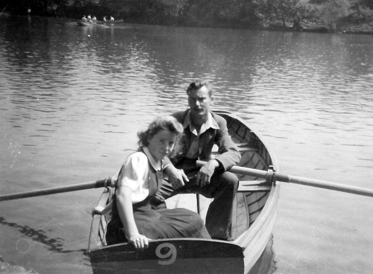 Cyril and Alice Russell c 1945.JPG