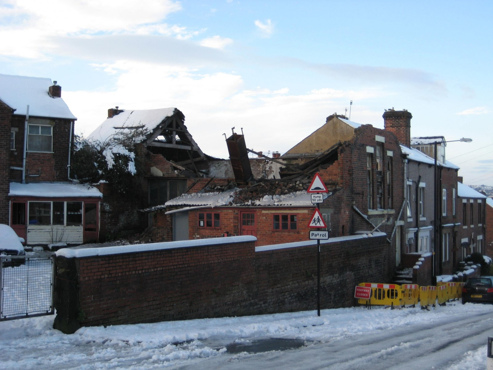 Meersbrook Baptist Ch -Azellwood Garage, Derbyshire Ln (2).JPG