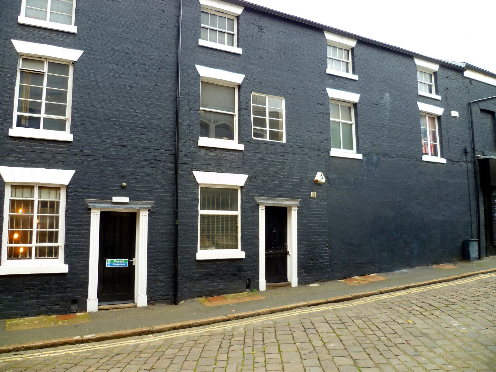 Blind backhouses on Canning Street built c 1830.jpg
