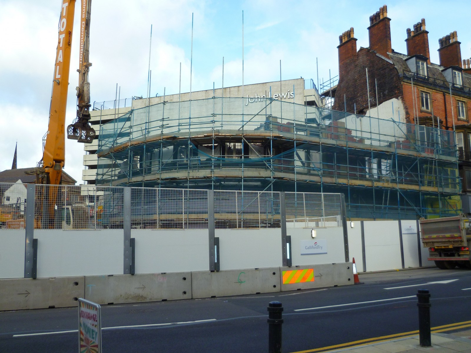 Demolition of the Athol charles St & Pinstone St October 2019.jpg