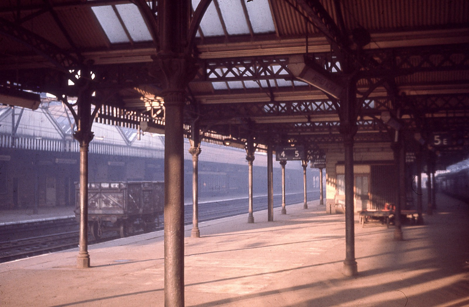 Sheffield Victoria 18th November 1967.jpg