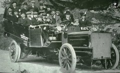 Charabanc belonging to Joseph Tomlinson & Sons Ltd