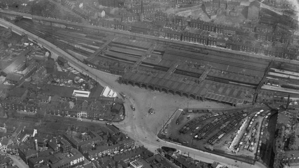 Midland Station, Sheffield, 1926 _ Britain From Above.jpg