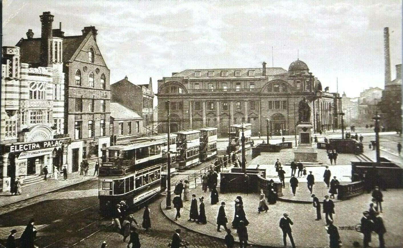 fitzalan_square_trams_electra_palace_1925.jpg
