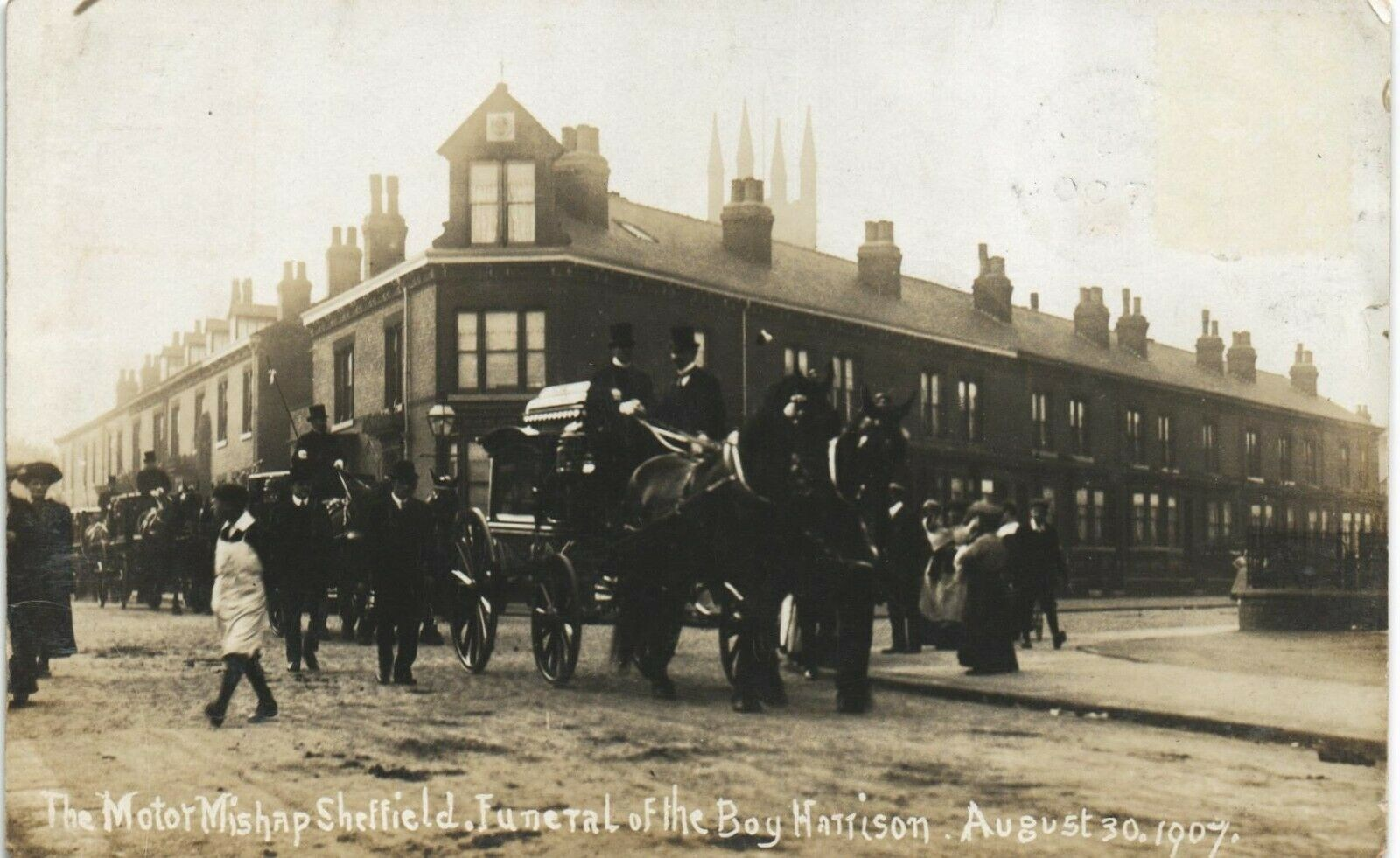 motor_mishap_funeral_boy_harrison_30th_august_1907.jpg