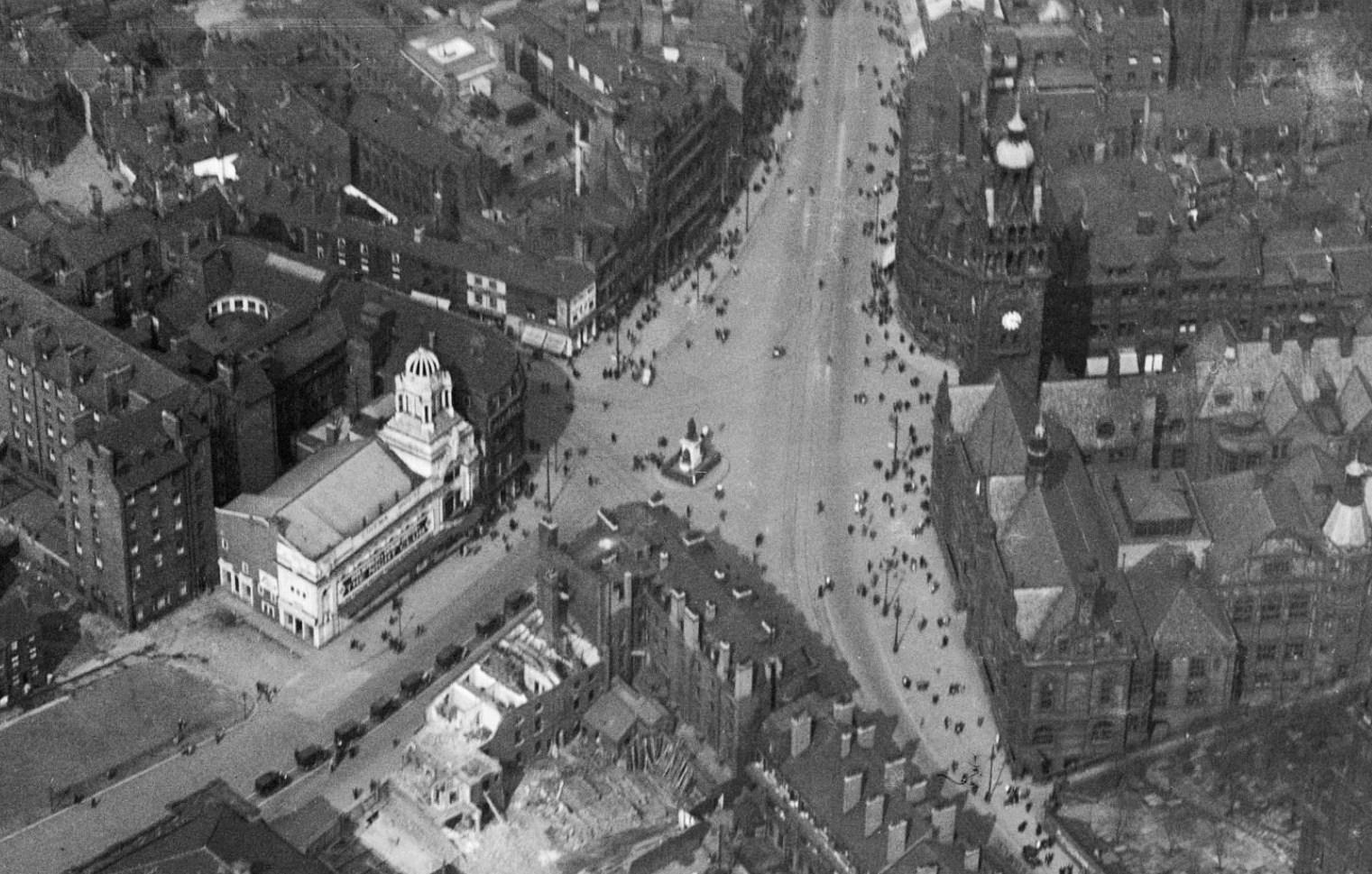 Barker's Pool and Fargate, Sheffield, 1926.jpg