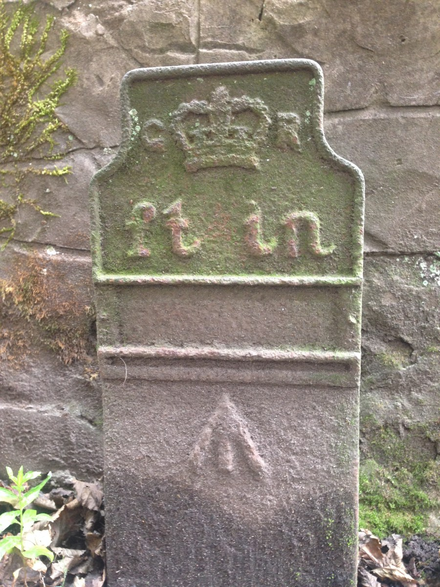 23rd Aug 20 GPO cable marker, lane from Whiteley Woods Road.JPG