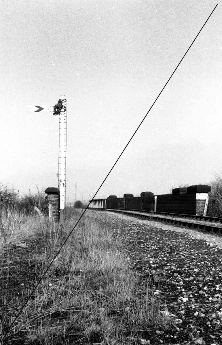 LDE011-Killamarsh Junction, LD&ECR bridge over Waleswood Curve, Looking North Towards Beighton-16-06-1977.jpg