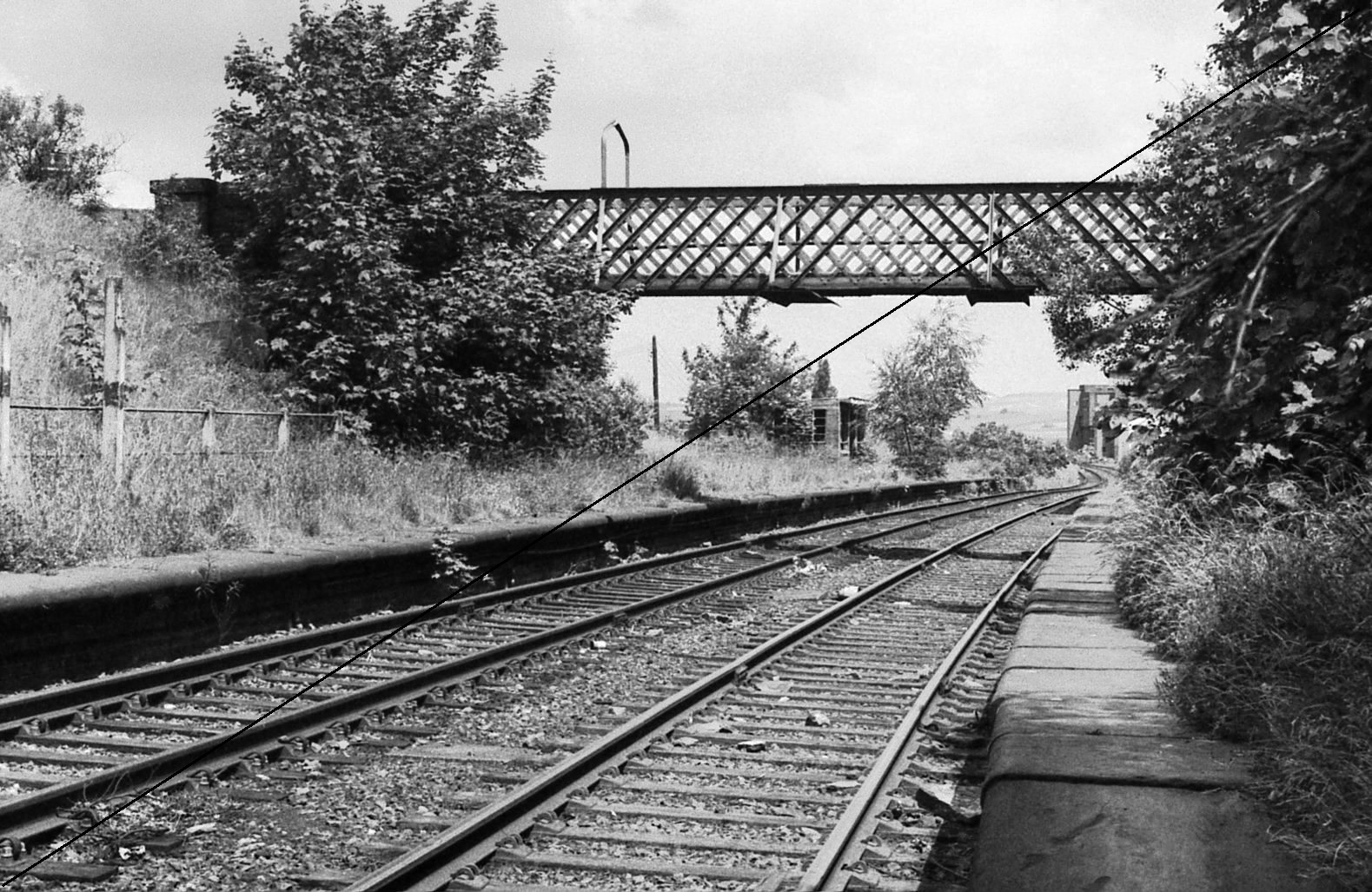 GCR006-Killamarsh Central Station-Looking North-16-06-1977.jpg
