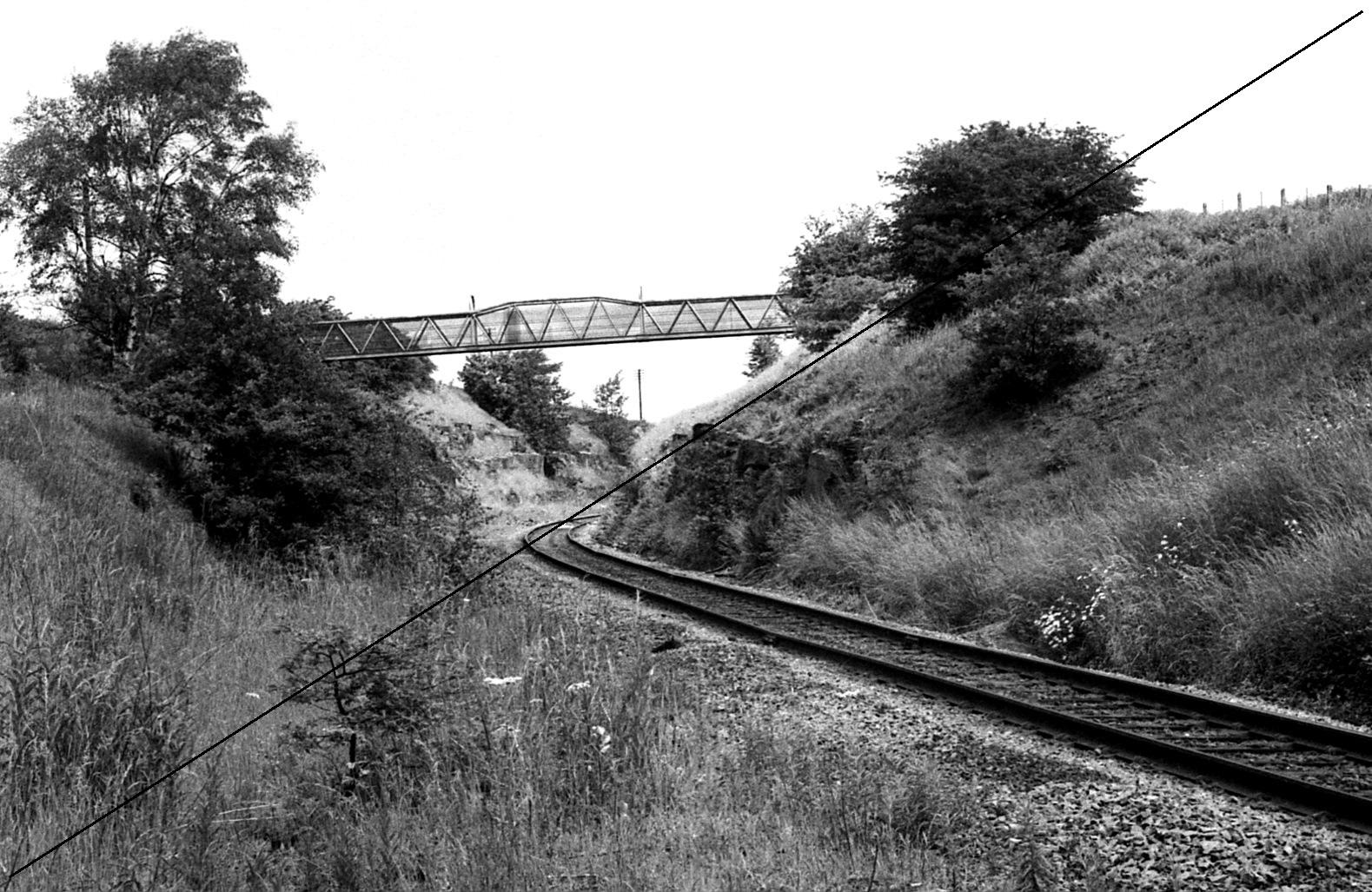 LDE001-Upperthorpe and Killamarsh Station Site-Looking North Towards Beighton-16-06-1977.jpg