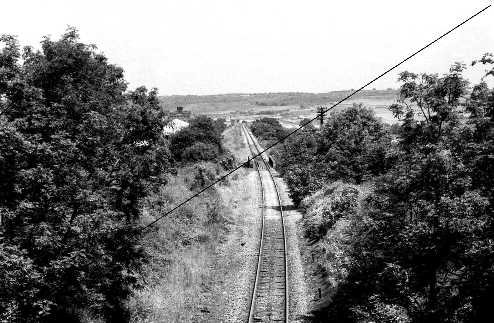 LDE003-Upperthorpe and Killamarsh Station Site-Looking North Towards Beighton-16-06-1977.jpg