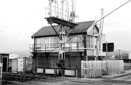 GCR043-Beighton Station Signal Box-16-06-1977.jpg