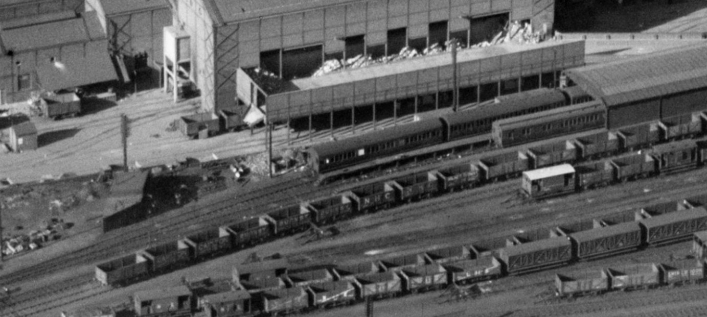 Carriage Shed Lumley Street End 1937.jpg